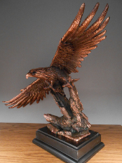 Free Flight Eagle Statue