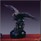 Hunting Eagle Sculpture (SKU: M-31105)