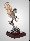 Focused Eagle Sculpture (SKU: A292)